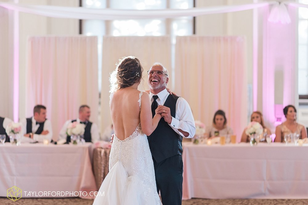 terre-haute-indiana-wedding-photographer-taylor-ford-photography-saint-marys-of-the-woods-college-weddings_2946.jpg