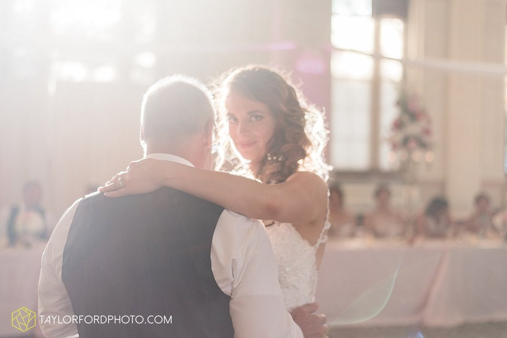 terre-haute-indiana-wedding-photographer-taylor-ford-photography-saint-marys-of-the-woods-college-weddings_2947.jpg