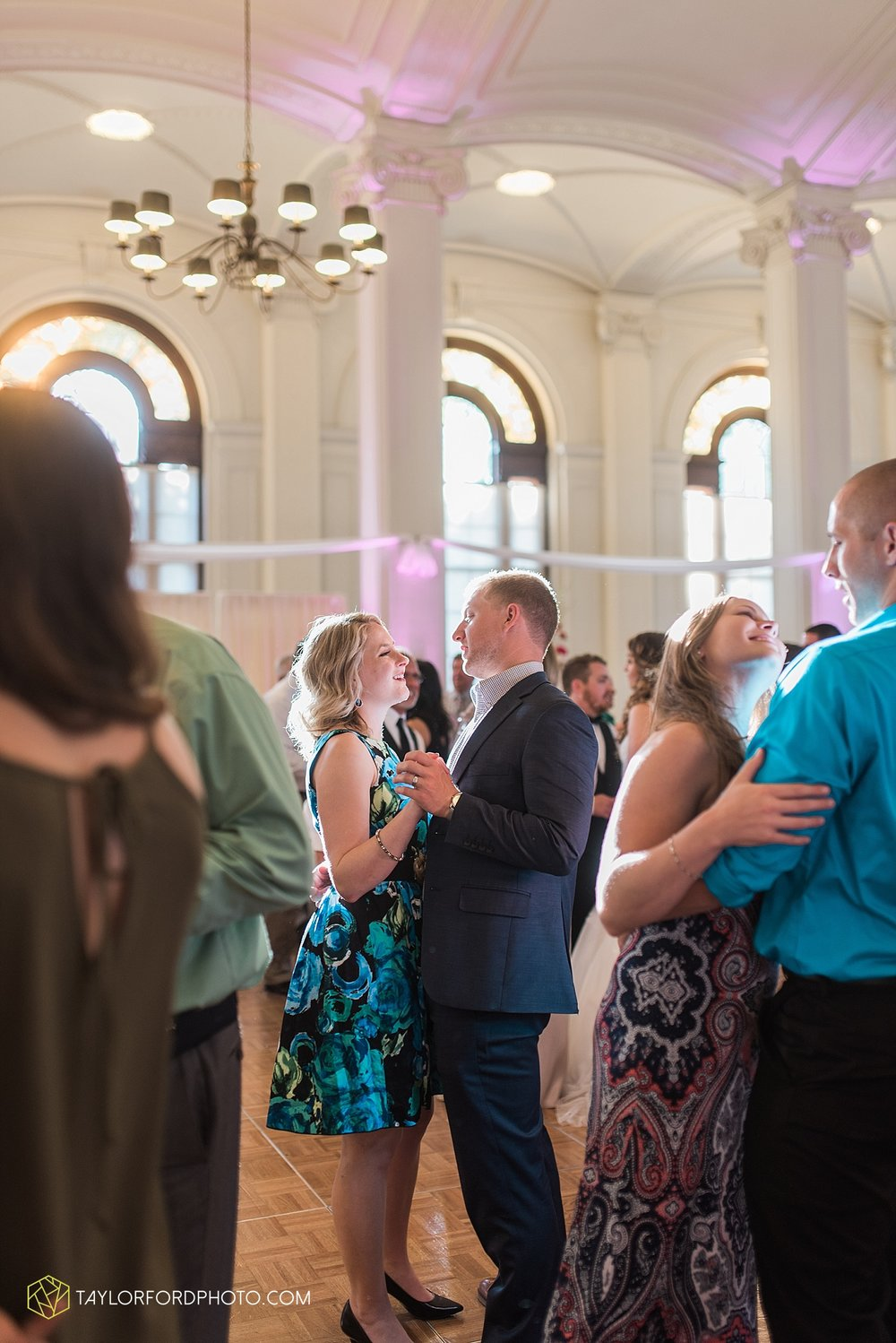 terre-haute-indiana-wedding-photographer-taylor-ford-photography-saint-marys-of-the-woods-college-weddings_2951.jpg