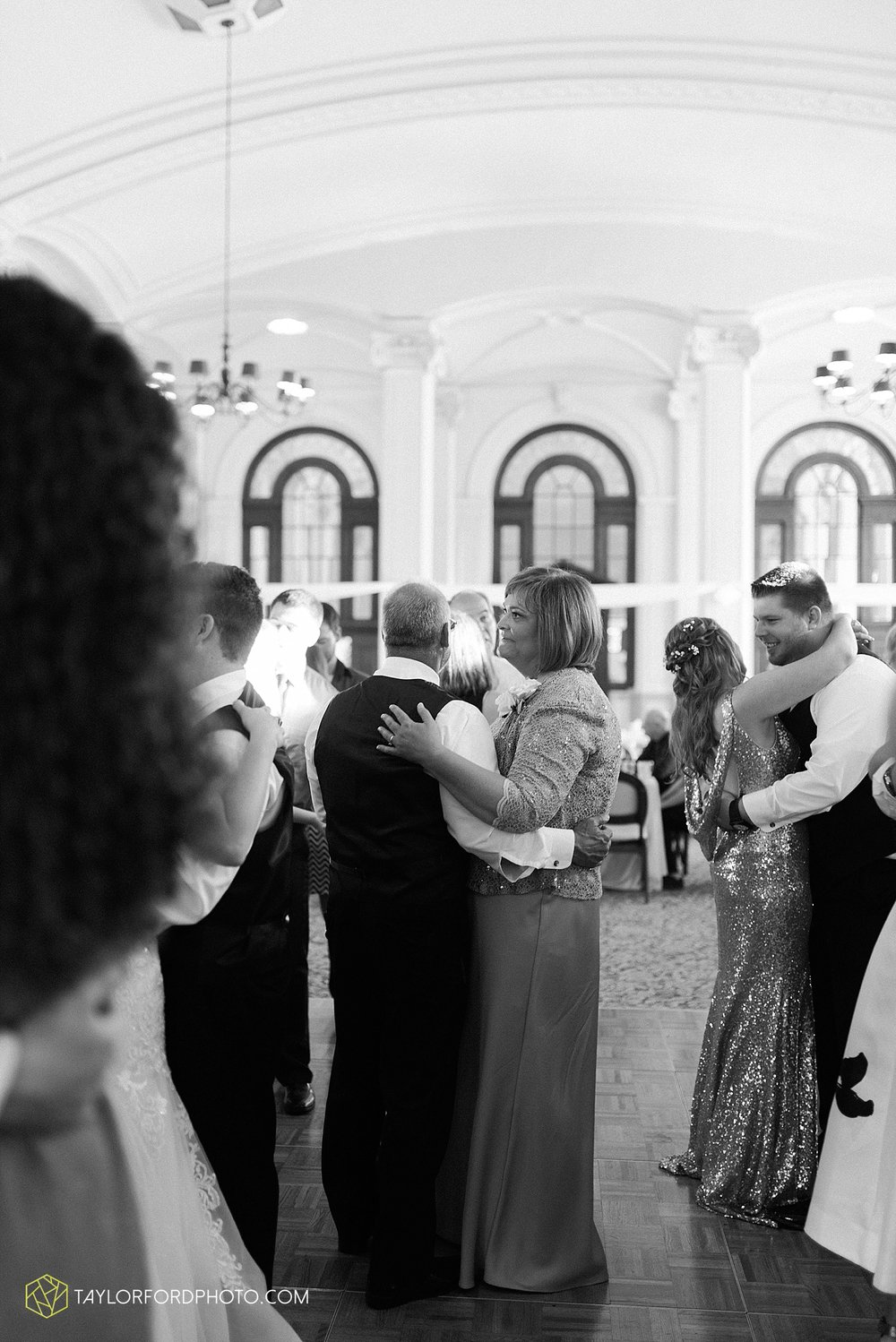 terre-haute-indiana-wedding-photographer-taylor-ford-photography-saint-marys-of-the-woods-college-weddings_2953.jpg