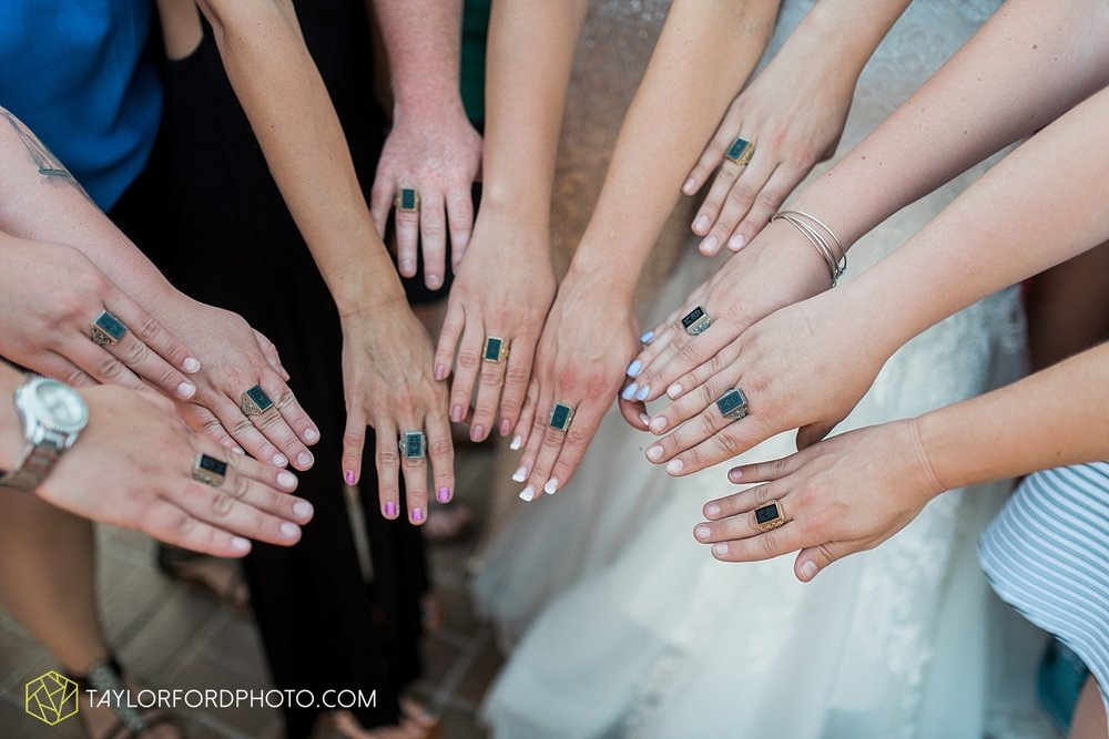 terre-haute-indiana-wedding-photographer-taylor-ford-photography-saint-marys-of-the-woods-college-weddings_2960.jpg