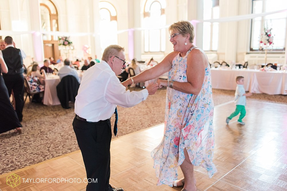 terre-haute-indiana-wedding-photographer-taylor-ford-photography-saint-marys-of-the-woods-college-weddings_2962.jpg