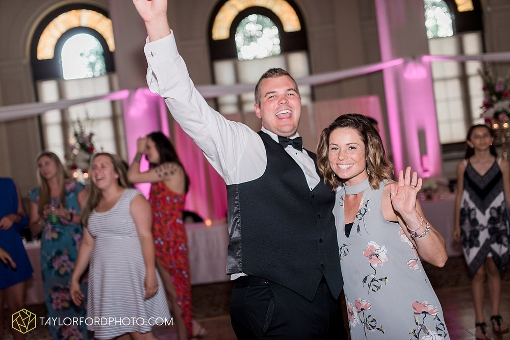 terre-haute-indiana-wedding-photographer-taylor-ford-photography-saint-marys-of-the-woods-college-weddings_2967.jpg