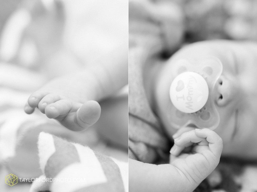 auburn-fort-wayne-indiana-newborn-family-taylor-ford-photography-lifestyle-photographer_4971.jpg