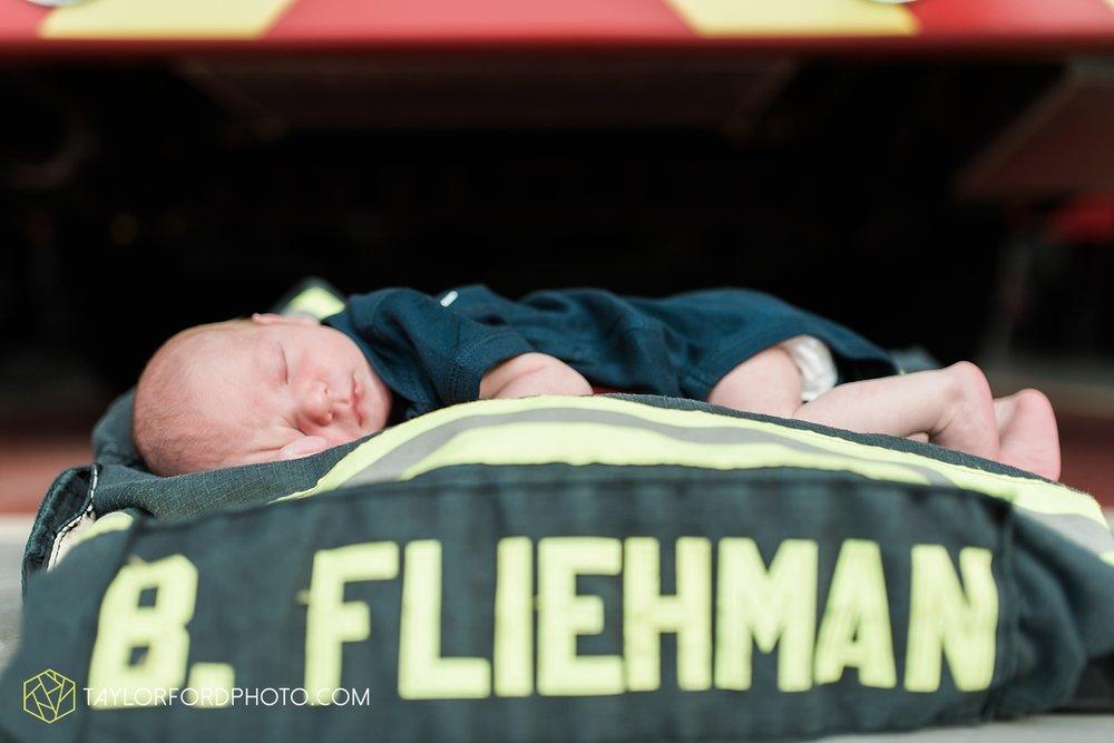 auburn-fort-wayne-indiana-newborn-family-taylor-ford-photography-lifestyle-photographer_4977.jpg