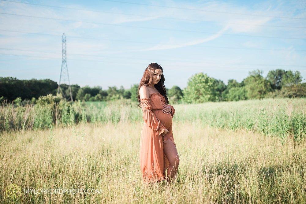 fort-wayne-indiana-maternity-family-taylor-ford-photography-lifestyle-photographer-goddess-sunset_5035.jpg