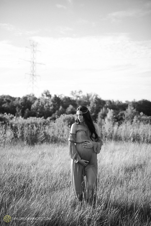 fort-wayne-indiana-maternity-family-taylor-ford-photography-lifestyle-photographer-goddess-sunset_5038.jpg