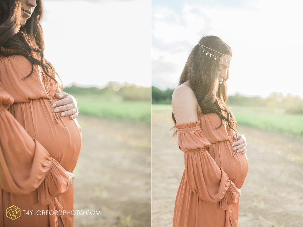fort-wayne-indiana-maternity-family-taylor-ford-photography-lifestyle-photographer-goddess-sunset_5045.jpg