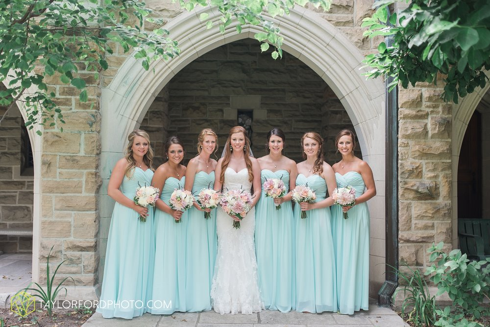 ford-wayne-indiana-trinity-lutheran-church-becca-connor-bonnell-taylor-ford-wedding-photography_0016.jpg