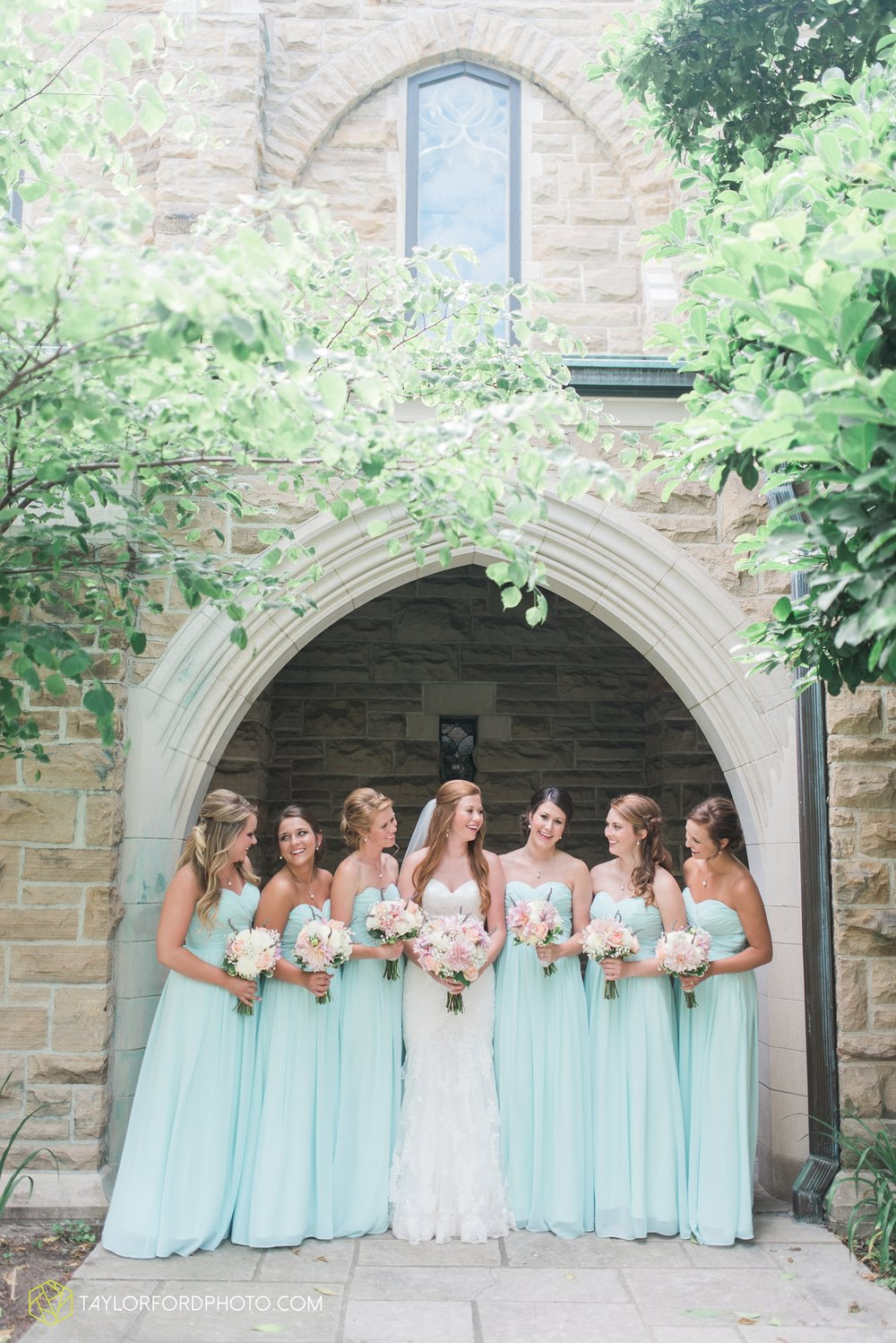 ford-wayne-indiana-trinity-lutheran-church-becca-connor-bonnell-taylor-ford-wedding-photography_0017.jpg