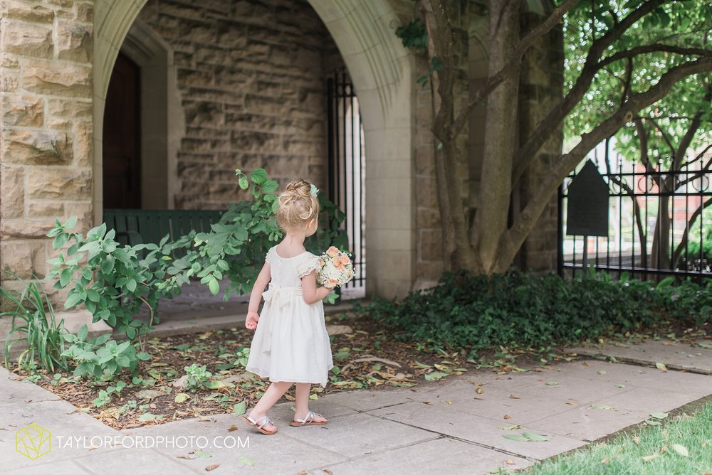 ford-wayne-indiana-trinity-lutheran-church-becca-connor-bonnell-taylor-ford-wedding-photography_0019.jpg