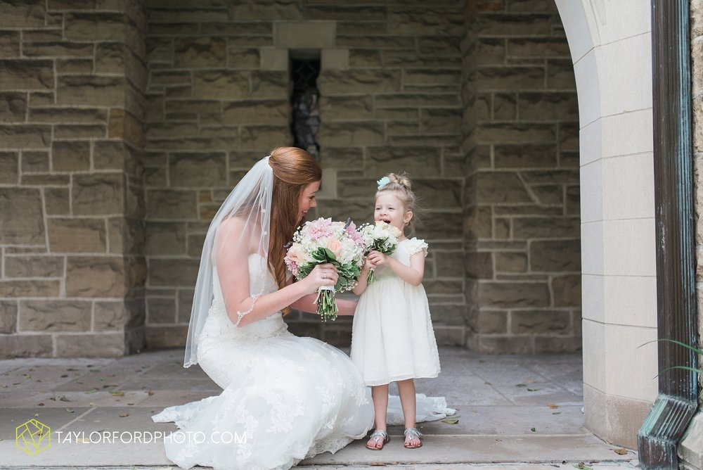 ford-wayne-indiana-trinity-lutheran-church-becca-connor-bonnell-taylor-ford-wedding-photography_0025.jpg