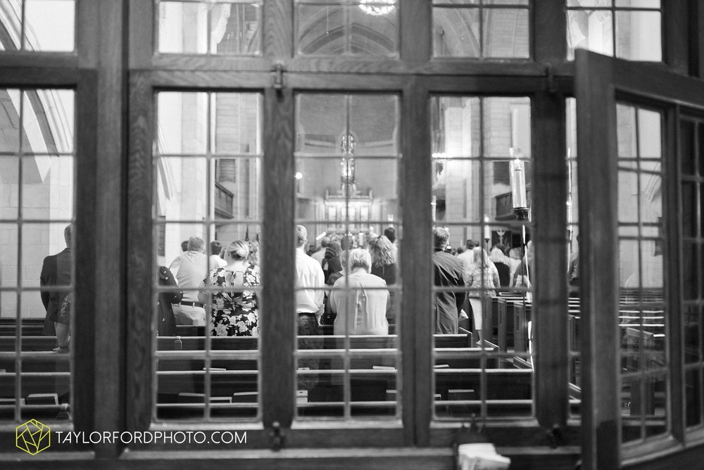 ford-wayne-indiana-trinity-lutheran-church-becca-connor-bonnell-taylor-ford-wedding-photography_0037.jpg