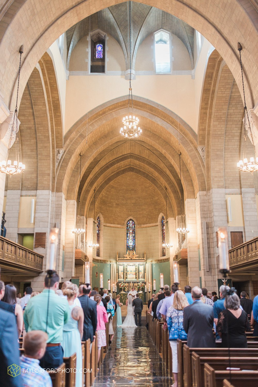 ford-wayne-indiana-trinity-lutheran-church-becca-connor-bonnell-taylor-ford-wedding-photography_0038.jpg