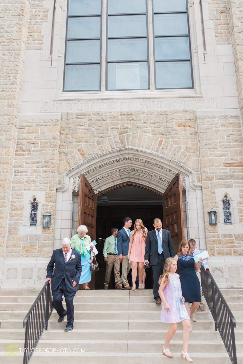 ford-wayne-indiana-trinity-lutheran-church-becca-connor-bonnell-taylor-ford-wedding-photography_0045.jpg