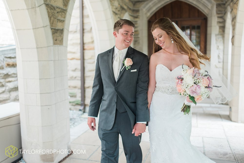 ford-wayne-indiana-trinity-lutheran-church-becca-connor-bonnell-taylor-ford-wedding-photography_0048.jpg