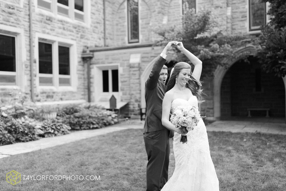 ford-wayne-indiana-trinity-lutheran-church-becca-connor-bonnell-taylor-ford-wedding-photography_0049.jpg