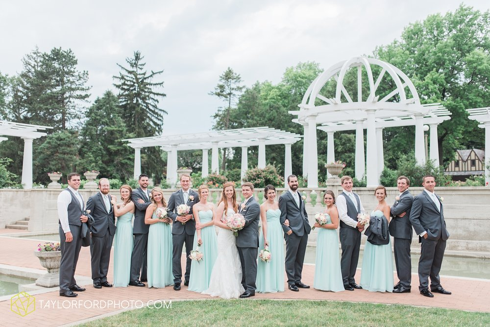 ford-wayne-indiana-trinity-lutheran-church-becca-connor-bonnell-taylor-ford-wedding-photography_0051.jpg