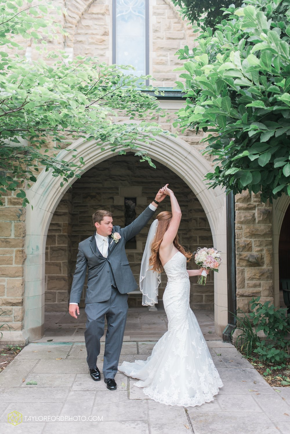 ford-wayne-indiana-trinity-lutheran-church-becca-connor-bonnell-taylor-ford-wedding-photography_0050.jpg