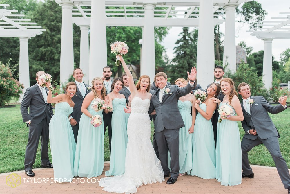 ford-wayne-indiana-trinity-lutheran-church-becca-connor-bonnell-taylor-ford-wedding-photography_0056.jpg