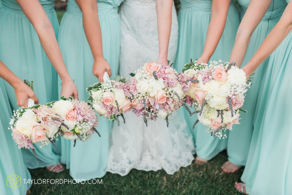 ford-wayne-indiana-trinity-lutheran-church-becca-connor-bonnell-taylor-ford-wedding-photography_0059.jpg