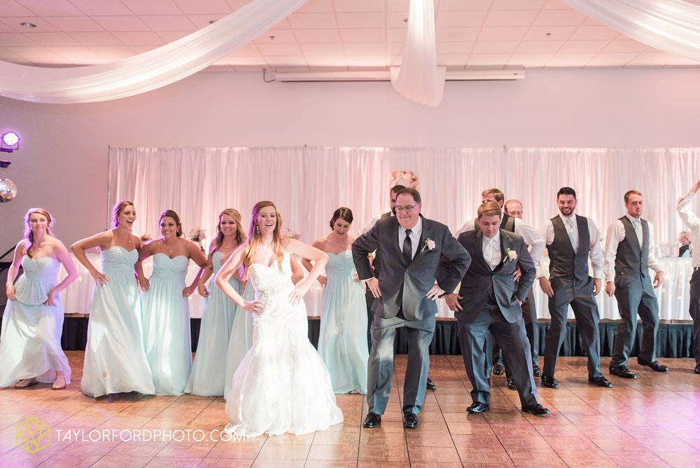 ford-wayne-indiana-trinity-lutheran-church-becca-connor-bonnell-taylor-ford-wedding-photography_0065.jpg