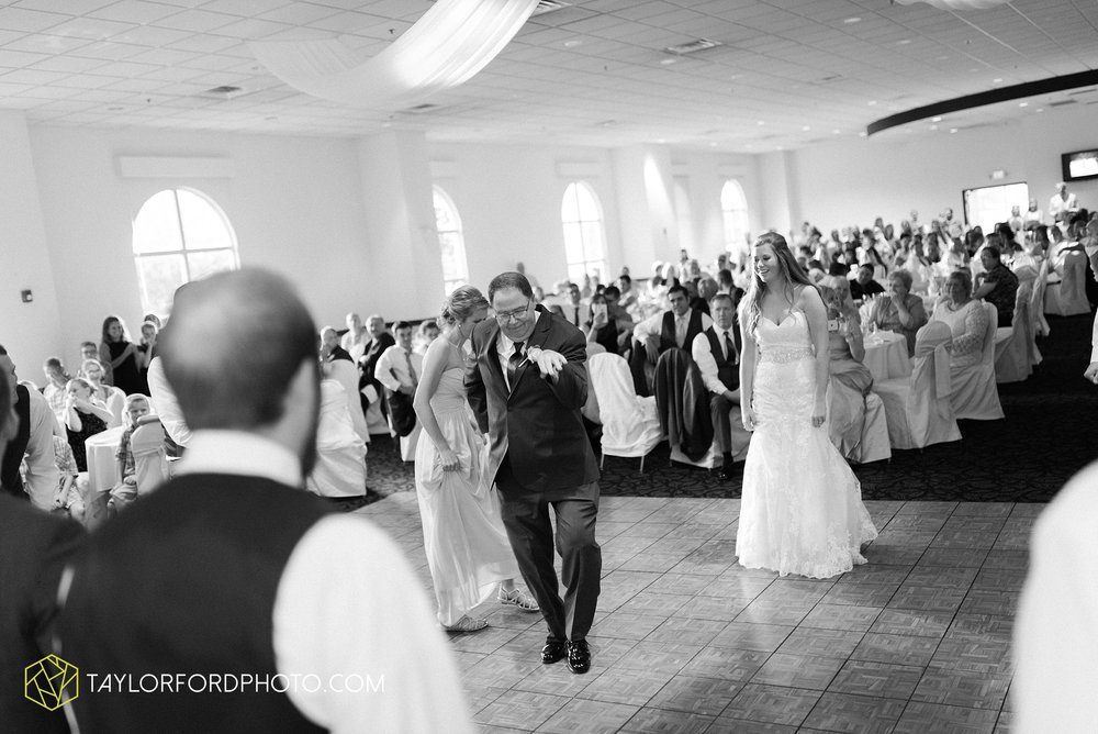 ford-wayne-indiana-trinity-lutheran-church-becca-connor-bonnell-taylor-ford-wedding-photography_0066.jpg