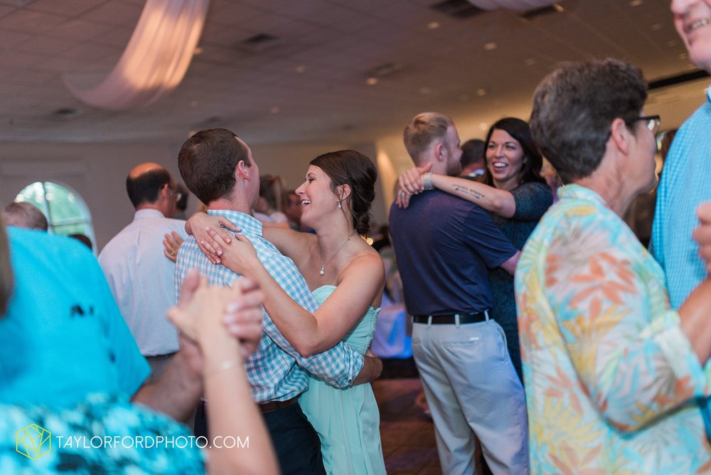 ford-wayne-indiana-trinity-lutheran-church-becca-connor-bonnell-taylor-ford-wedding-photography_0076.jpg