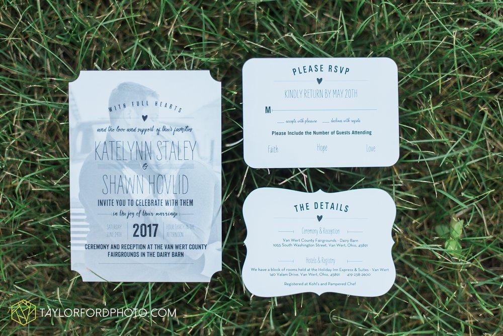van-wert-ohio-dairy-barn-wedding-taylor-ford-wedding-photography_0176.jpg