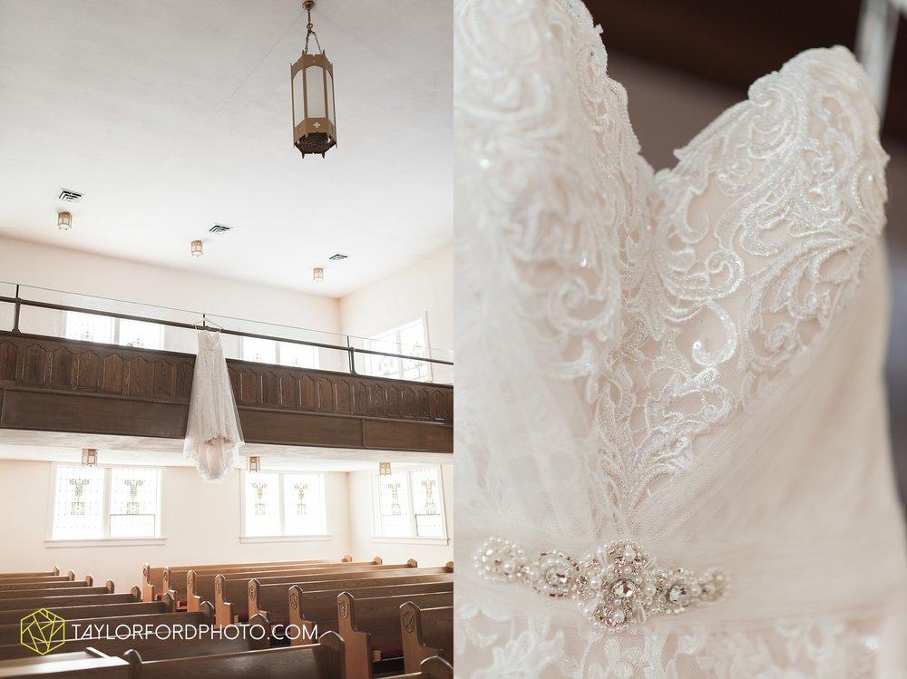 van-wert-ohio-dairy-barn-wedding-taylor-ford-wedding-photography_0180.jpg