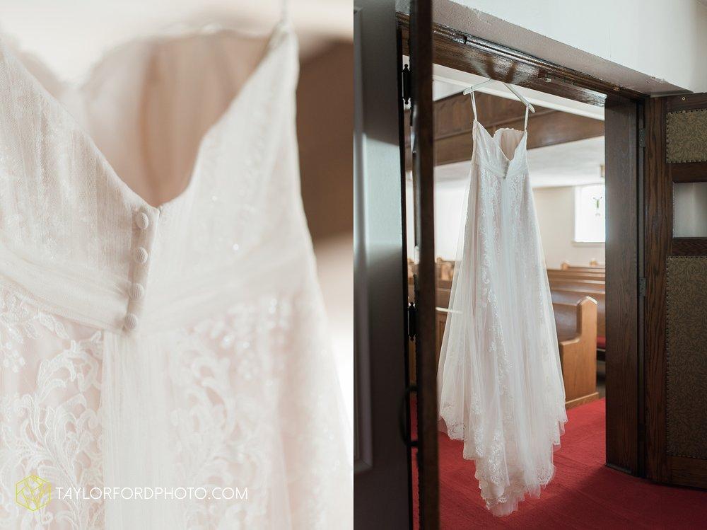 van-wert-ohio-dairy-barn-wedding-taylor-ford-wedding-photography_0181.jpg