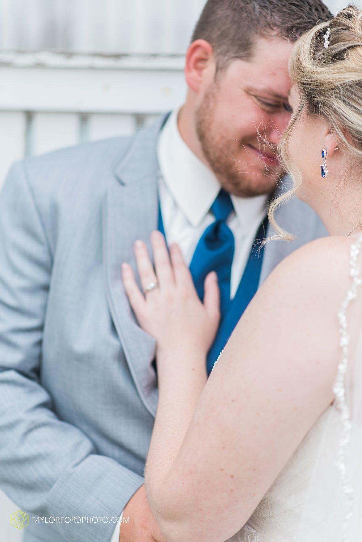 van-wert-ohio-dairy-barn-wedding-taylor-ford-wedding-photography_0197.jpg