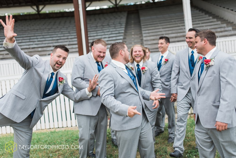 van-wert-ohio-dairy-barn-wedding-taylor-ford-wedding-photography_0204.jpg