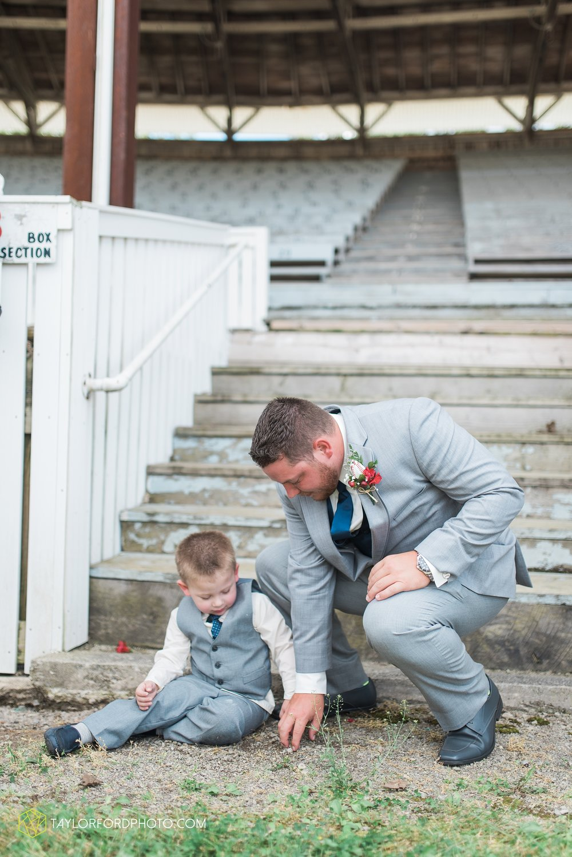 van-wert-ohio-dairy-barn-wedding-taylor-ford-wedding-photography_0206.jpg