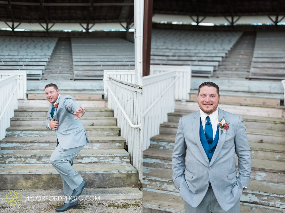 van-wert-ohio-dairy-barn-wedding-taylor-ford-wedding-photography_0207.jpg