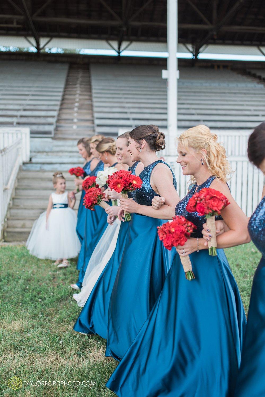 van-wert-ohio-dairy-barn-wedding-taylor-ford-wedding-photography_0210.jpg