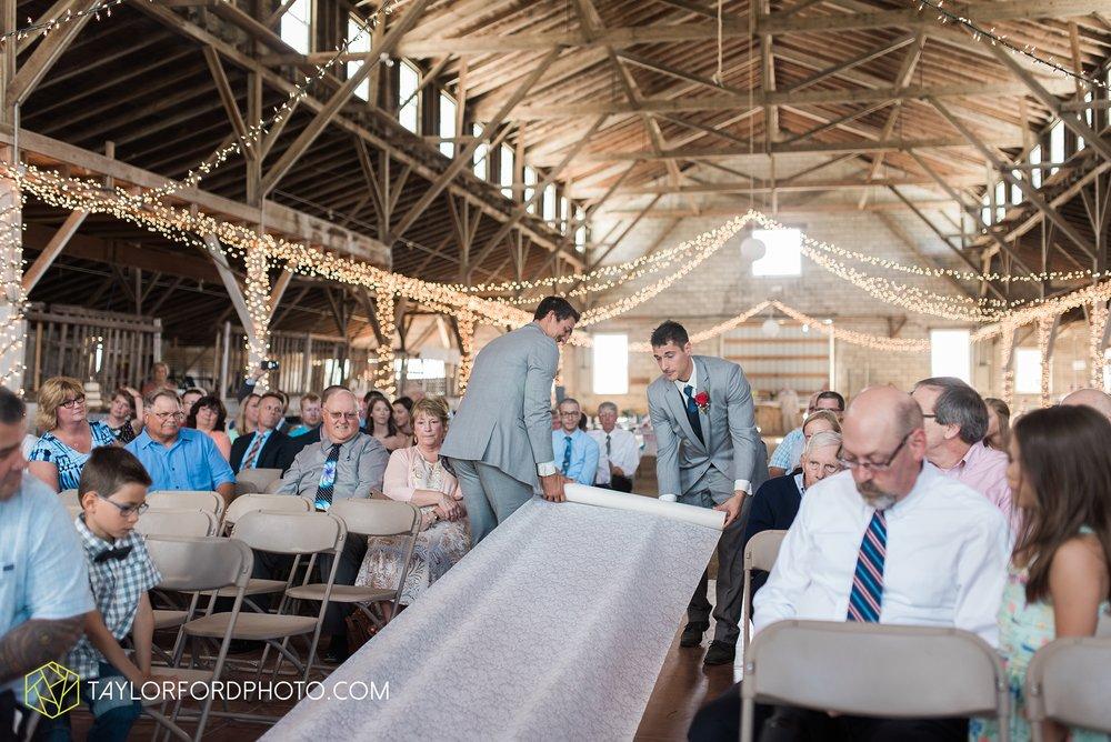 van-wert-ohio-dairy-barn-wedding-taylor-ford-wedding-photography_0223.jpg