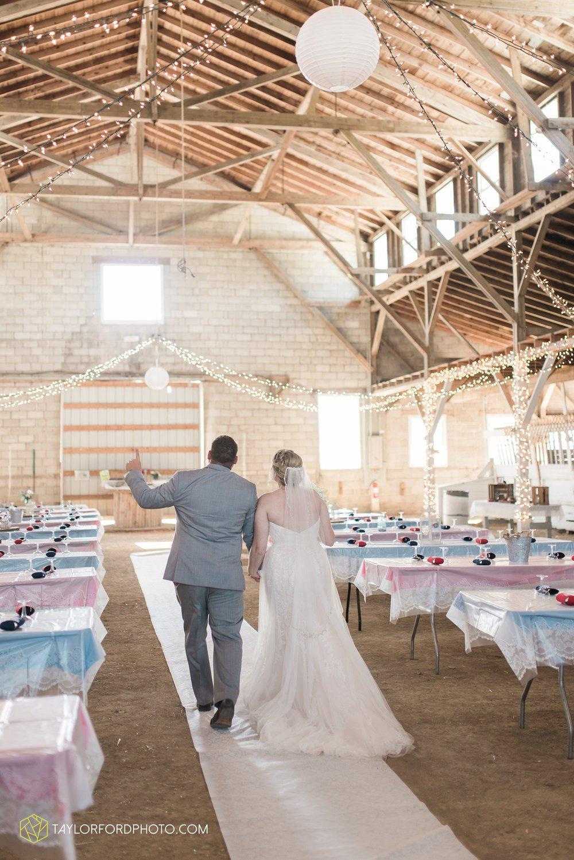 van-wert-ohio-dairy-barn-wedding-taylor-ford-wedding-photography_0232.jpg