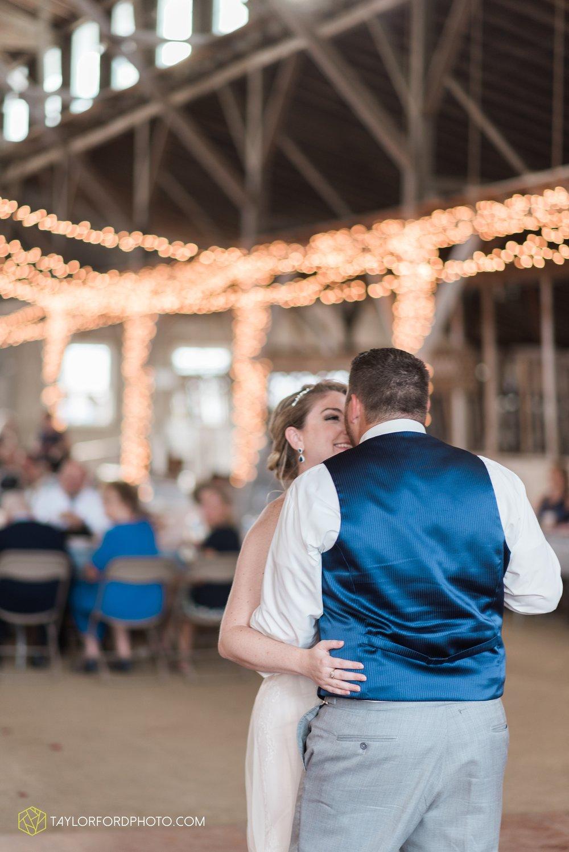 van-wert-ohio-dairy-barn-wedding-taylor-ford-wedding-photography_0234.jpg