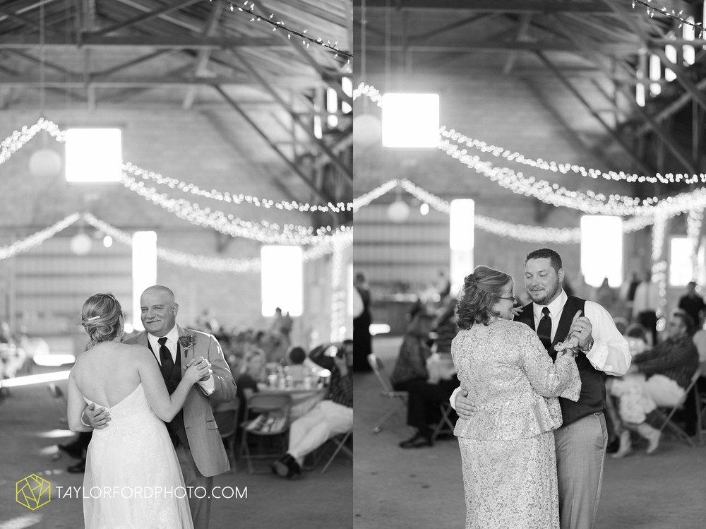 van-wert-ohio-dairy-barn-wedding-taylor-ford-wedding-photography_0238.jpg