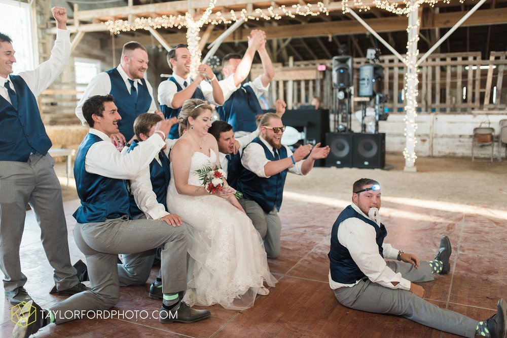 van-wert-ohio-dairy-barn-wedding-taylor-ford-wedding-photography_0240.jpg