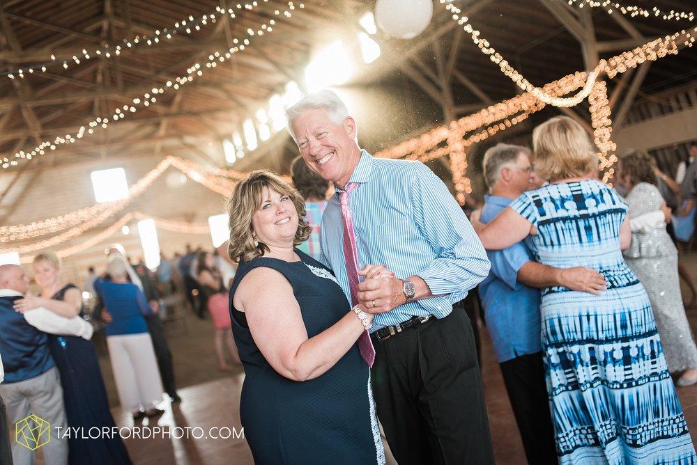 van-wert-ohio-dairy-barn-wedding-taylor-ford-wedding-photography_0243.jpg