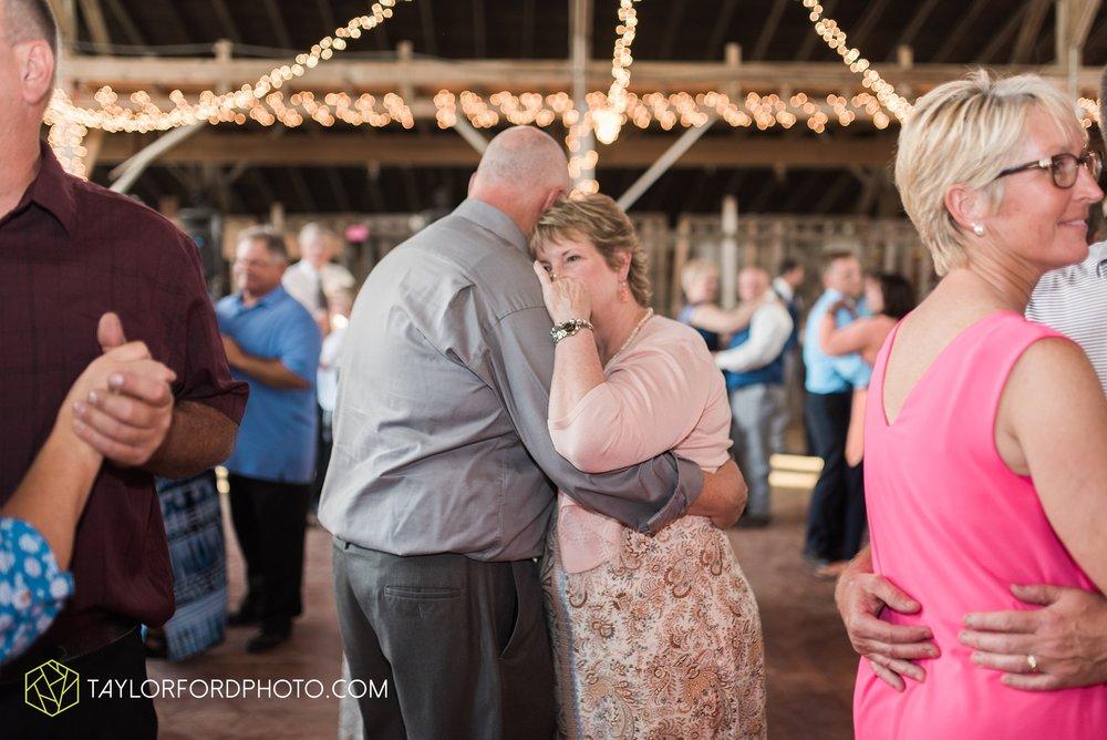 van-wert-ohio-dairy-barn-wedding-taylor-ford-wedding-photography_0244.jpg