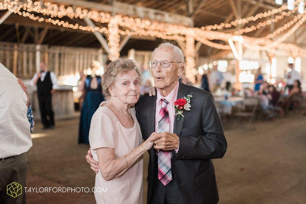 van-wert-ohio-dairy-barn-wedding-taylor-ford-wedding-photography_0245.jpg