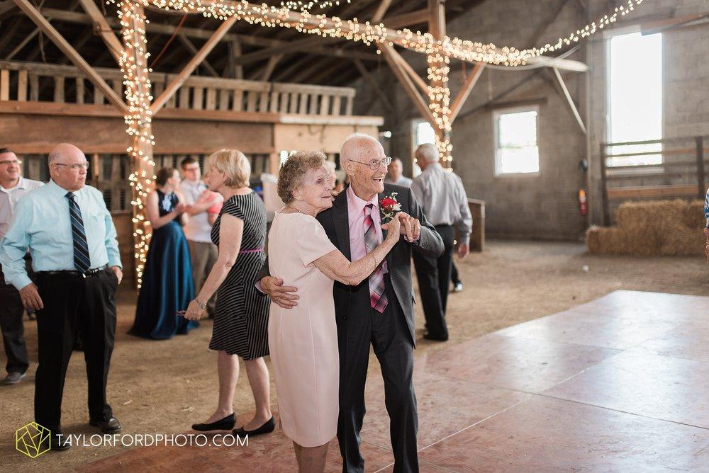 van-wert-ohio-dairy-barn-wedding-taylor-ford-wedding-photography_0246.jpg