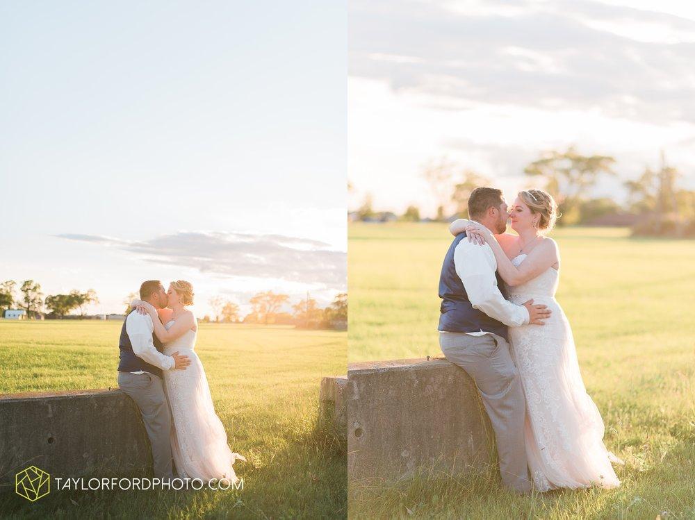 van-wert-ohio-dairy-barn-wedding-taylor-ford-wedding-photography_0252.jpg