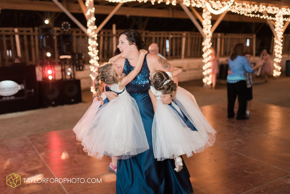 van-wert-ohio-dairy-barn-wedding-taylor-ford-wedding-photography_0262.jpg