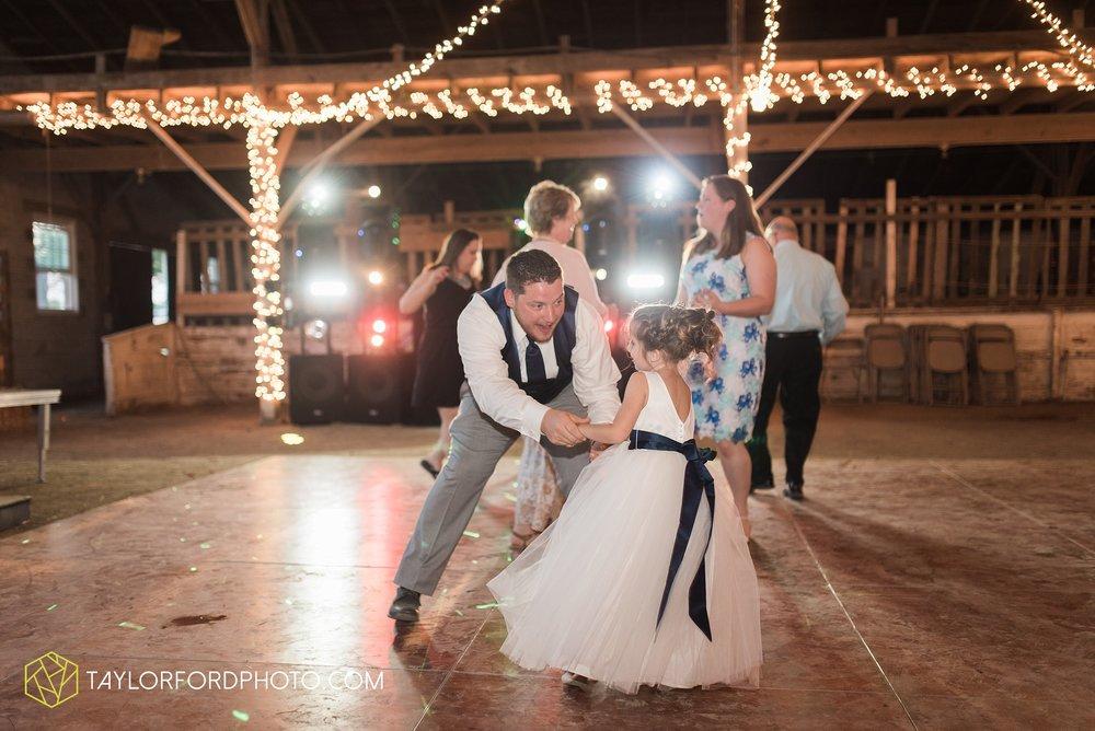 van-wert-ohio-dairy-barn-wedding-taylor-ford-wedding-photography_0263.jpg
