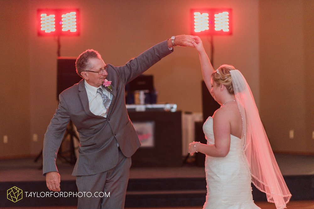 celina-ohio-wedding-taylor-ford-wedding-photography_0513.jpg