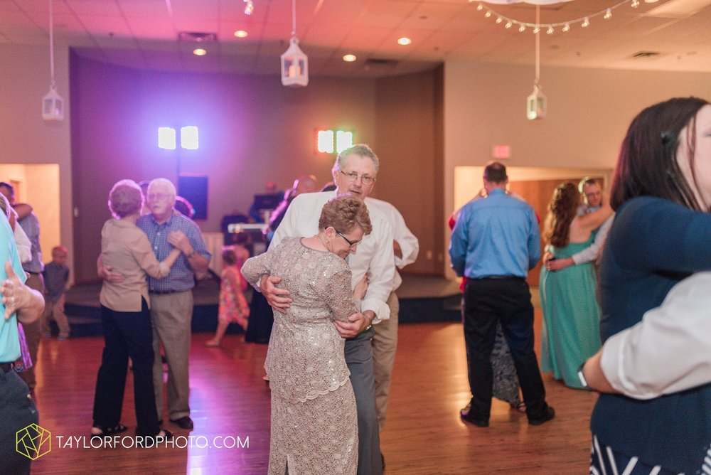 celina-ohio-wedding-taylor-ford-wedding-photography_0525.jpg